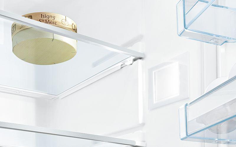 Đèn LED chiếu sáng: xem nội thất bên trong tủ lạnh của bạn trong một ánh sáng mới.
